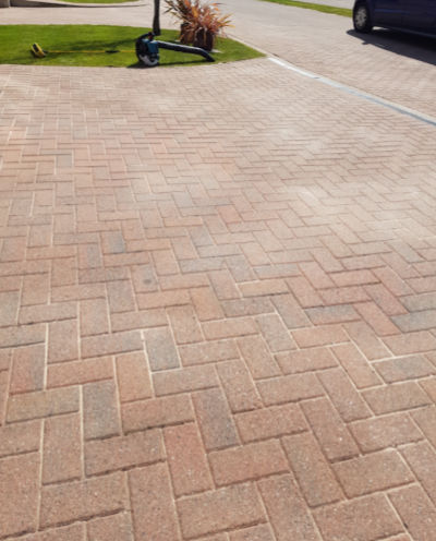 Stirling driveway cleaning